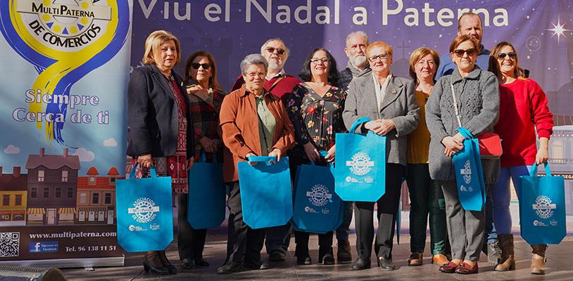 Multipaterna entregó los premios en metálico en la Plaza del Pueblo durante la Navidad